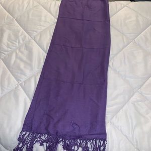 Gorgeous purple Pashmina style scarf